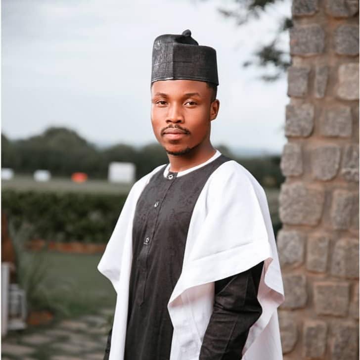 MUSIC: Umar M Shareef Halimatu Sadiya - ShaFin HausaMini Com